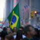 Quase metade dos brasileiros que vivem fora do Brasil estão nos Estados Unidos