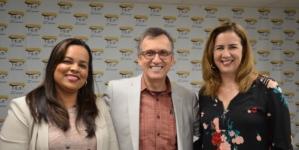 Brasileira obtém licença do governo para trabalhar na causa do imigrante