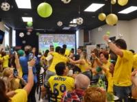 Amigos-comemoram-o-primeiro-gol-do-brasil-na-copa-2018-(Foto–Geovany-Dias)