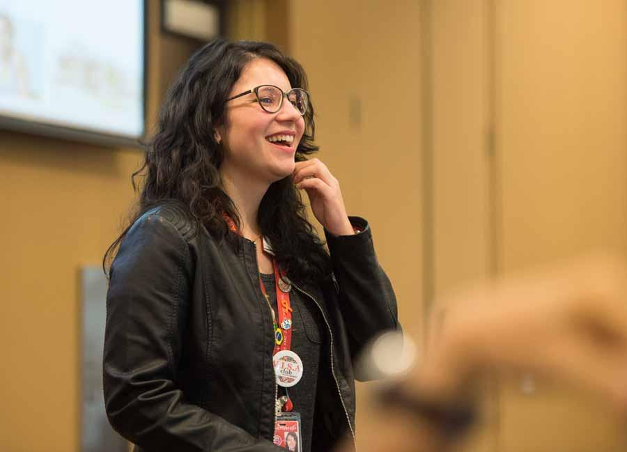 May Martines durante apresentação
