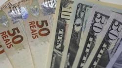 Dólar cai após resultado da eleição, mas opera em alta nesta segunda (29)