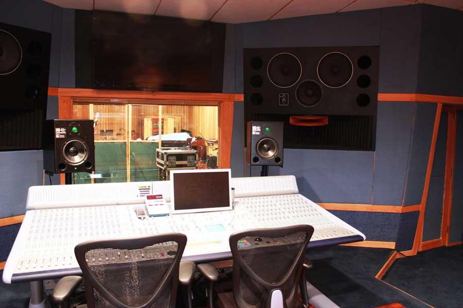 Starke Lake Studios2 - Jornal Brasileiro em Orlando, Florida, EUA