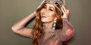 Sabrina Sato esbanja beleza e simpatia no Carnaval