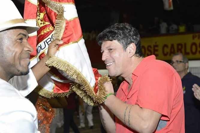 Medicina ou samba? Ele optou pelo Carnaval do Rio