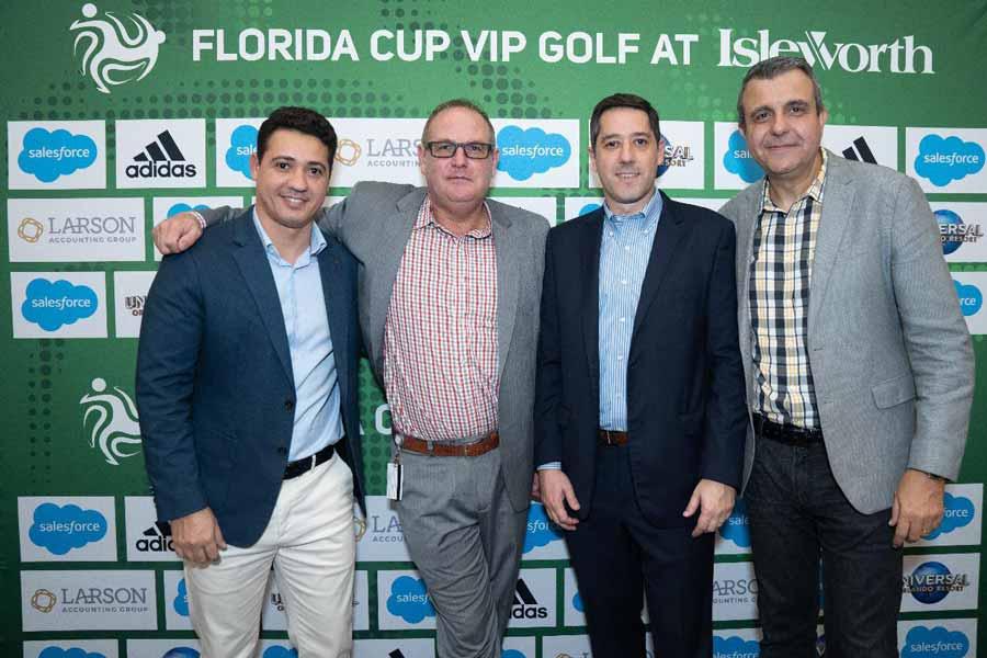 Thiago Borges, Frank Belzer (VP Universal Orlando Resorts), Marcos Barros (VP Marketing e Vendas Universal Studios) e Alexandre Damiani