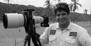 Fotógrafo brasileiro transforma faróis americanos em obra de arte