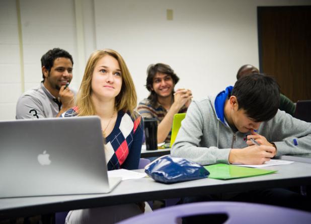 INTO USFdá oportunidades a brasileiros em universidade dos EUA