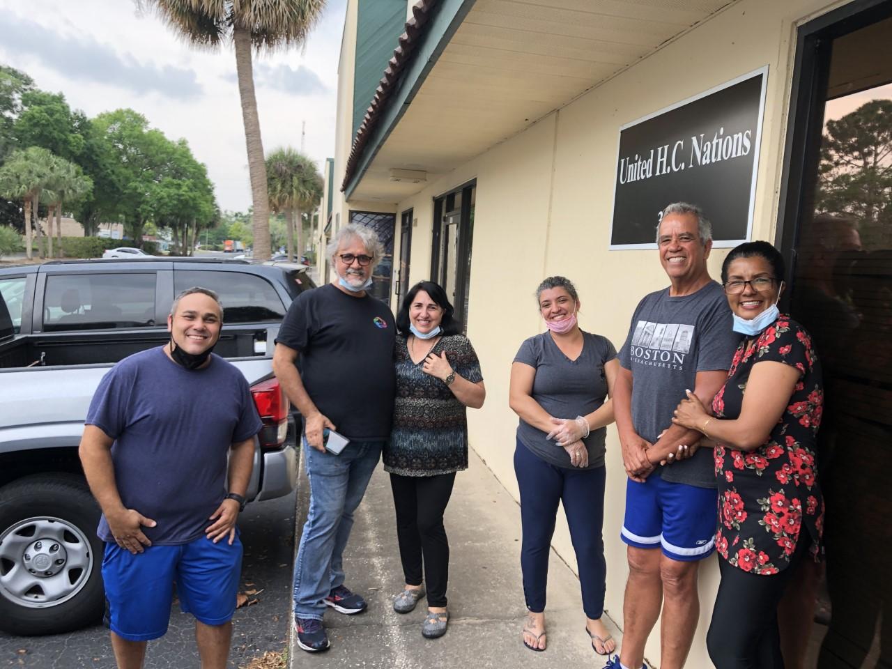 Ação humanitária beneficia famílias de baixa renda em Orlando com cesta básica