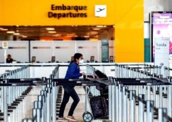 EUA proíbem voos do Brasil a partir desta quarta, 27. O que pensam empresários de Orlando?