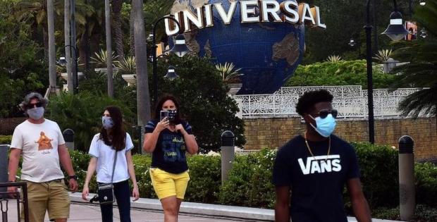 """""""Universal Orlando"""" reabre com """"filas virtuais"""" e capacidade reduzida"""