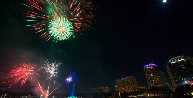 Orlando celebra 4 de julho com queima de fogos virtual