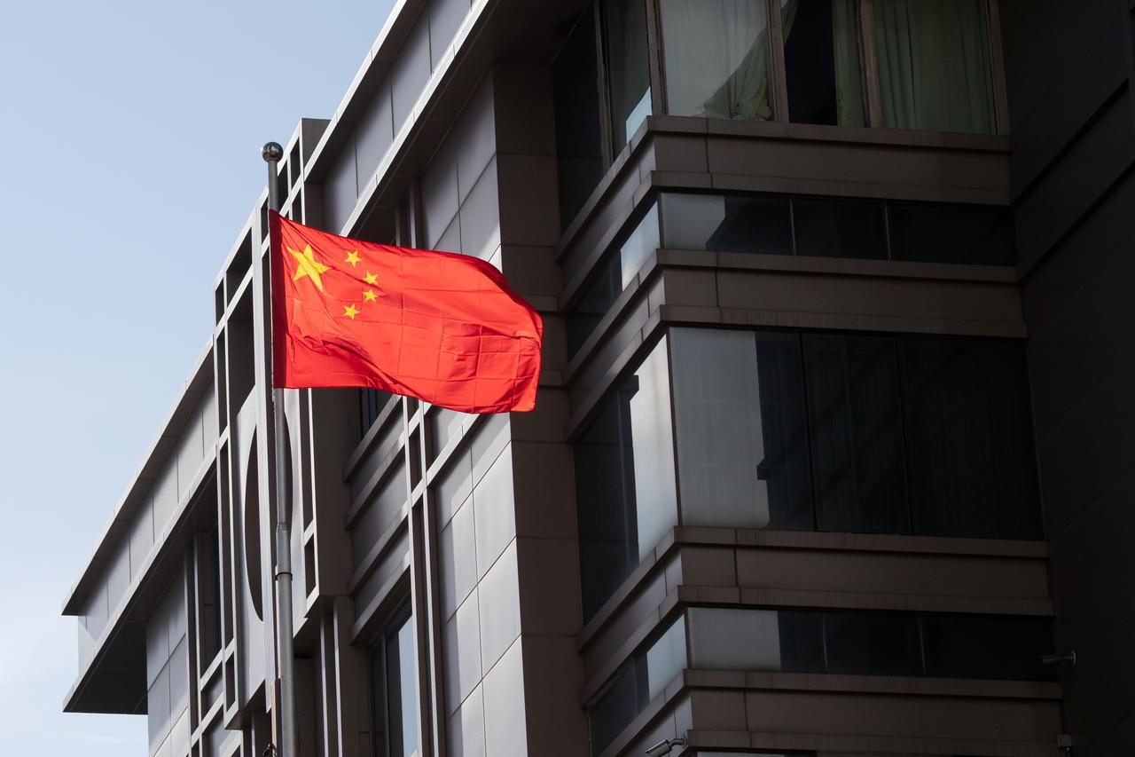 Fechamento de consulados reascende disputa política e econômica entre EUA e China
