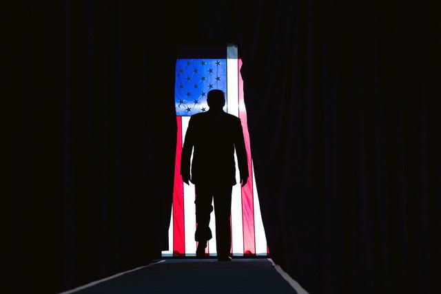 "Trump faz discurso de despedida e promete ""rezar"" pelo sucesso de Biden"