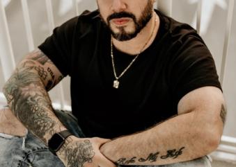 Descubra efeitos e magia da tatuagem, na arte viva do mestre Diego Conci.