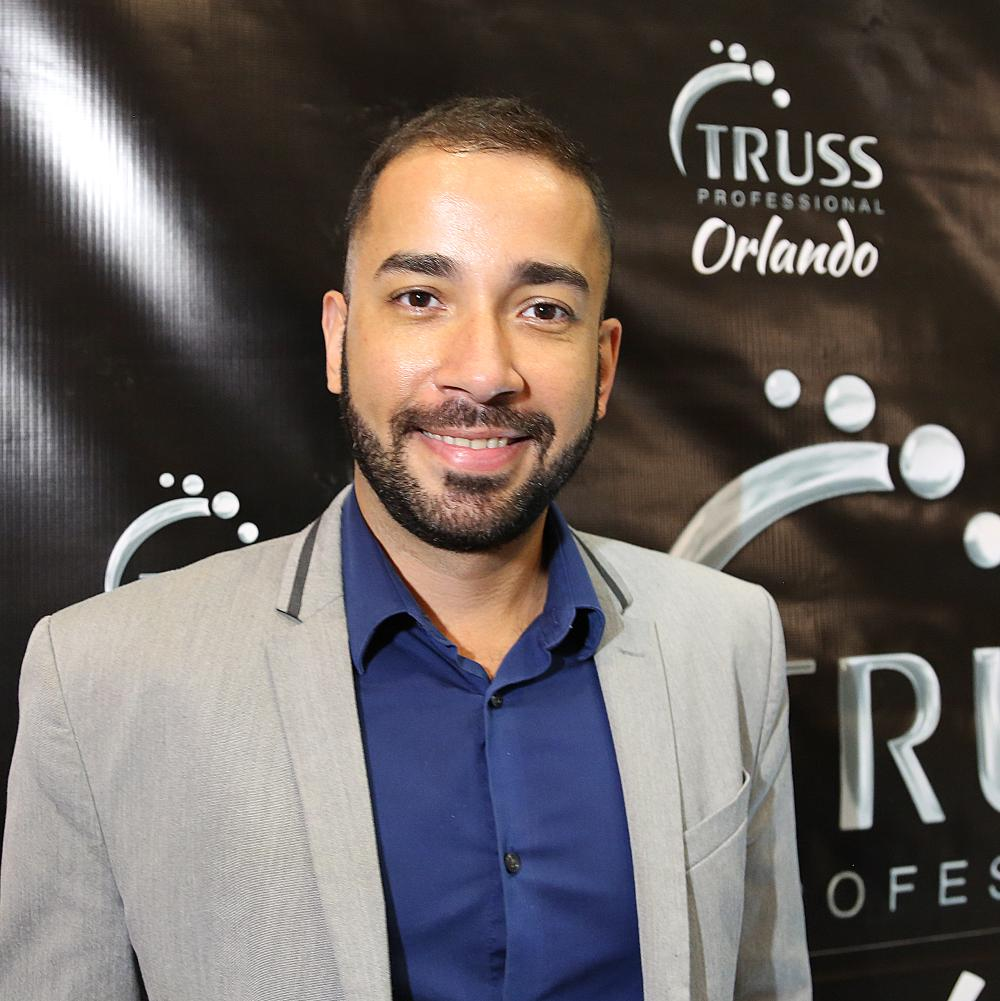 """""""I Fórum Hair Brasil USA"""" reúne profissionais cabeleireiros de vários países, em Orlando"""