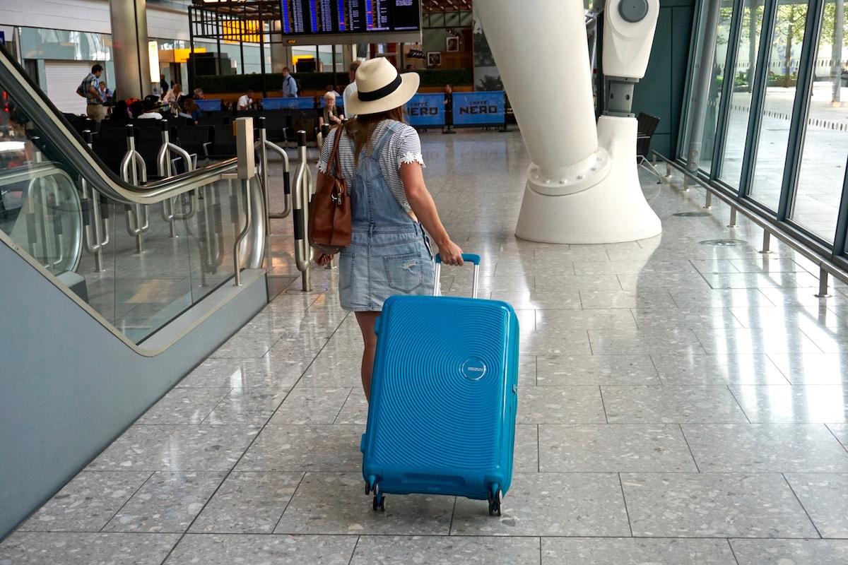 É seguro viajar na pandemia? Alerta de autoridades da Flórida.