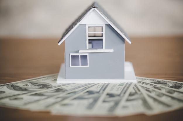 Famílias de baixa renda podem receber até $300 por mês por criança, informa o IRS