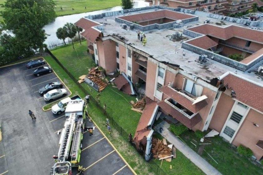 Susto de moradores em Miami; telhado de prédio desaba e provoca evacuação imediata