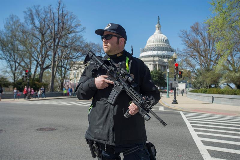 Polícia do Capitólio dos EUA abrirá agência em Tampa; medidas de segurança.