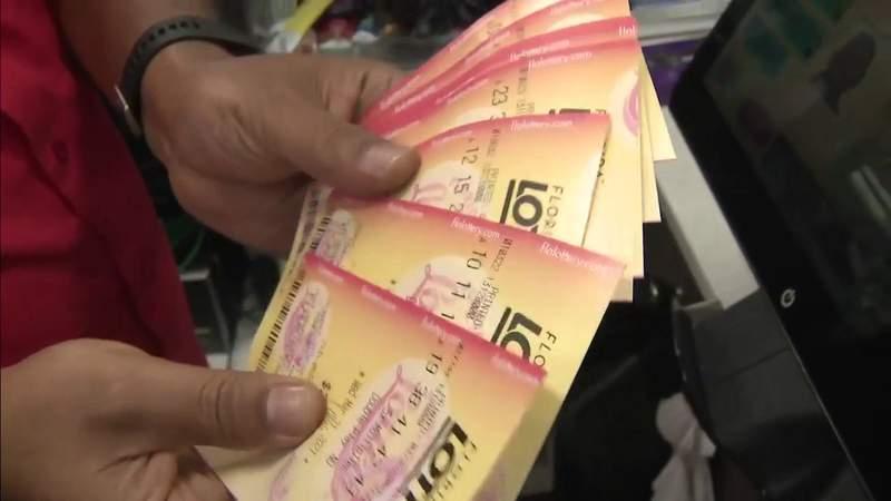 Morador de Orlando ganha $ 21,25 milhões ao comprar bilhete premiado em Casselberry