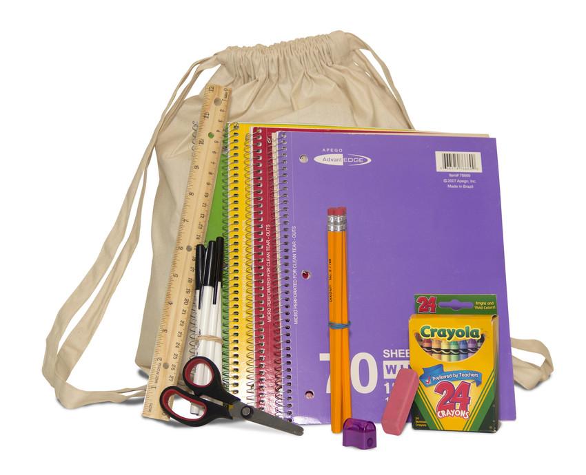 """""""IF YOU Foundation"""" distribuirá 1500 kits escolares em Orlando e Boca Raton"""