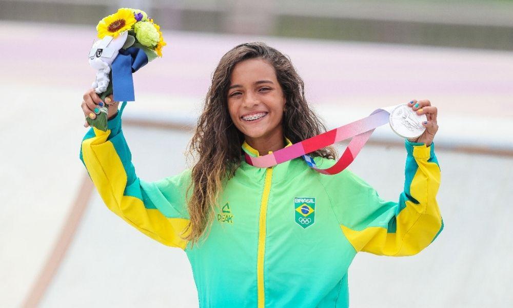 Rayssa Leal, a mais jovem skatista do Brasil, é medalha de prata em Tóquio