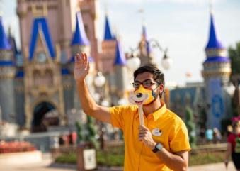'Disney' dá ultimato a funcionários: vacinação contra Covid e uso de máscara