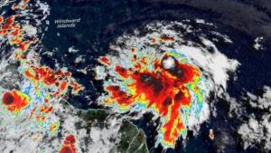 Elsa se intensifica no Atlântico e está a caminho da Flórida, segundo meteorologistas
