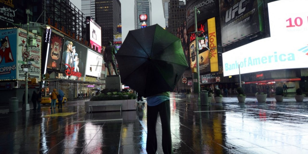 Furacão Henri pode atingir Nova York ; população em alerta máximo