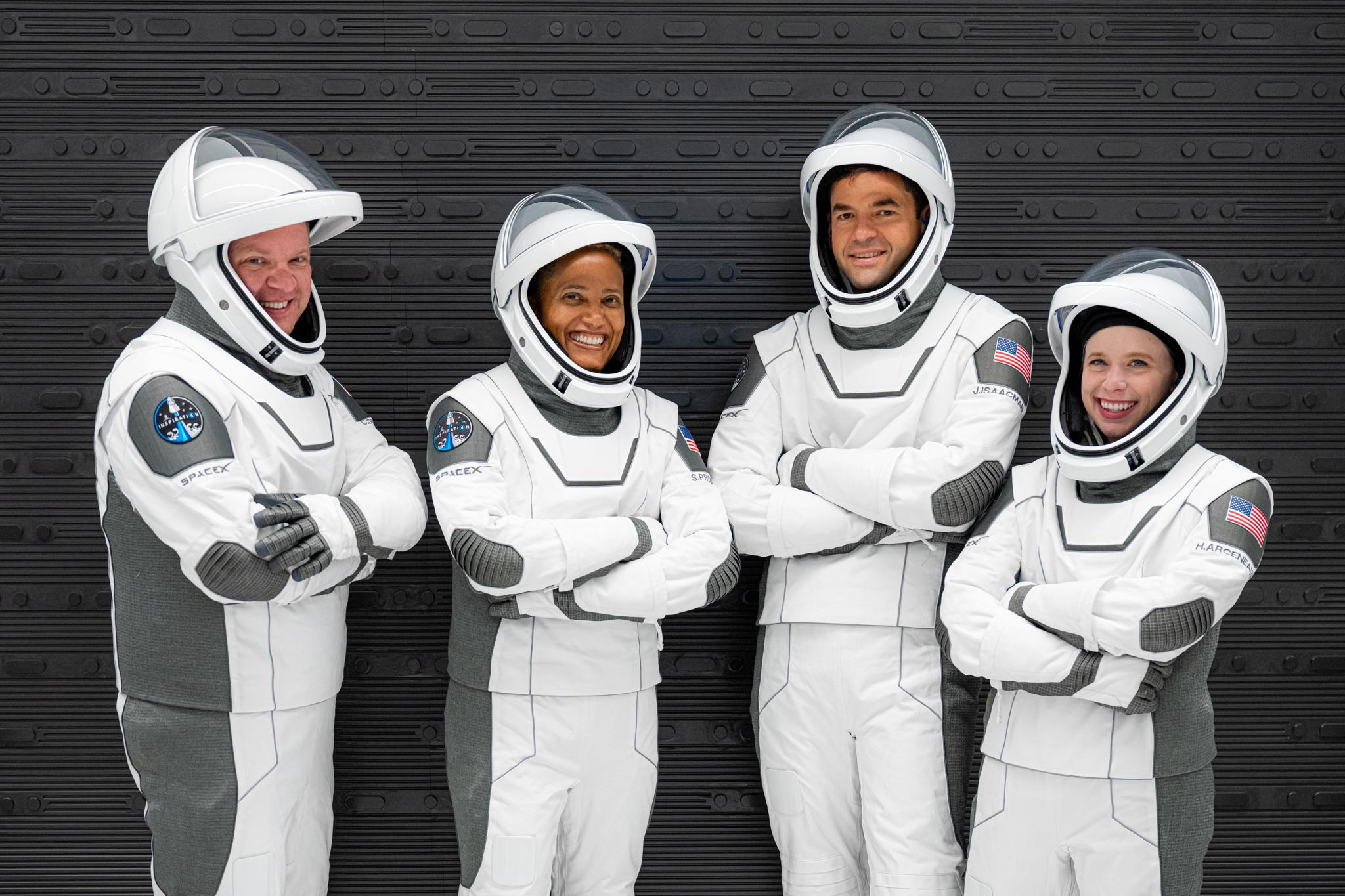 4 civis em missão no espaço; SpaceX será lançada nesta quarta-feira