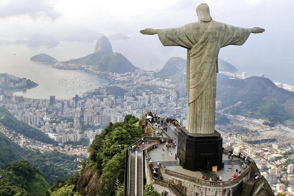 Rio de Janeiro exige 'passaporte de vacinação' de turistas; multa e restrições