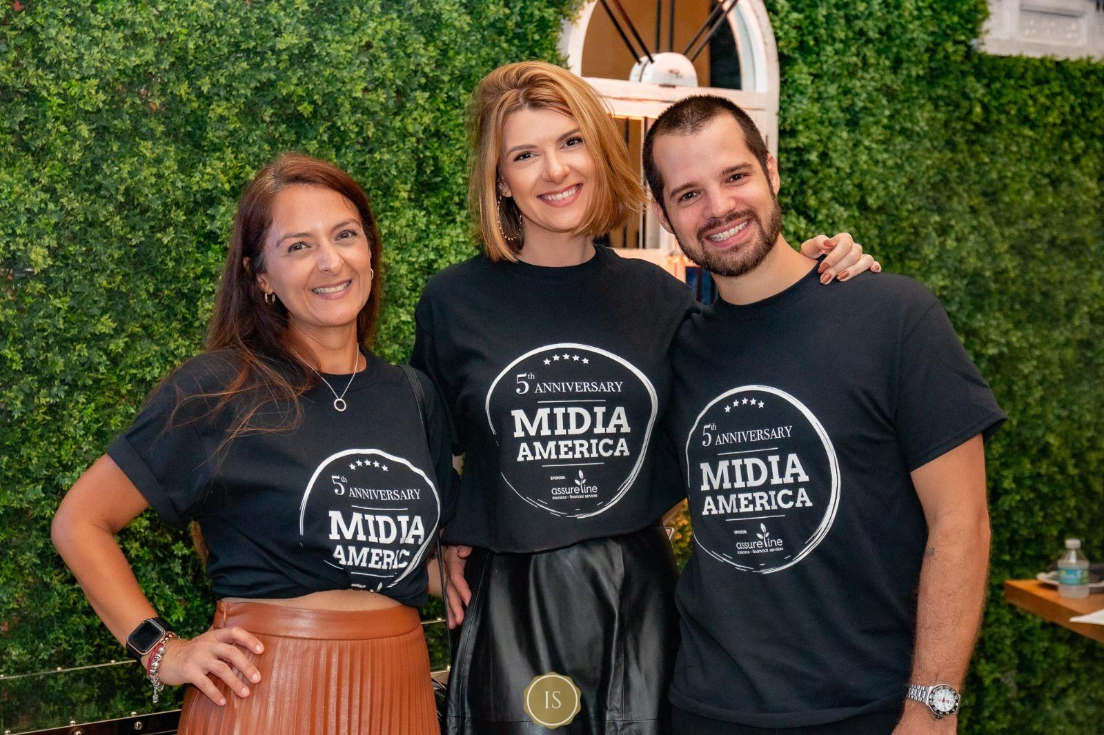 Noite de confraternização entre mídias celebra os 5 anos do 'Grupo Mídia América'