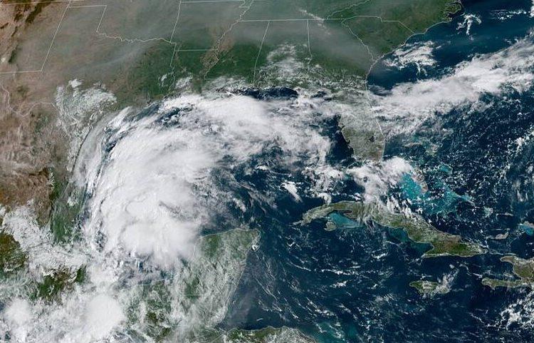 Tempestade tropical Nicholas não afetará a Flórida, informa Centro de Furacões