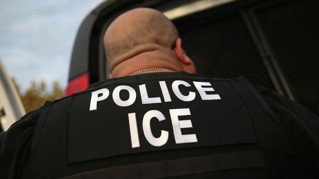 As novas regras do governo Biden limitam a deportação de imigrantes