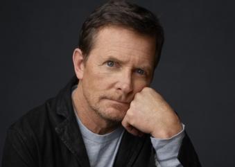 Em busca da cura do mal de Parkinson, Michael J. Fox arrecada US$ 1 bilhão